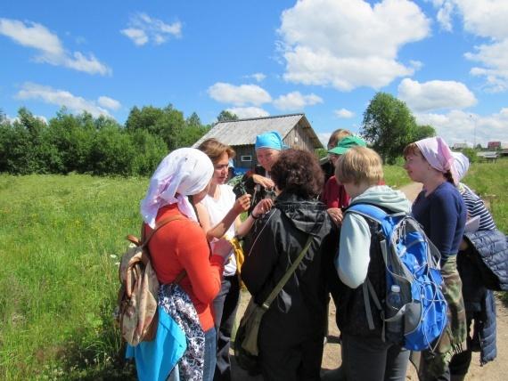 В летней полевой школе идут практические занятия